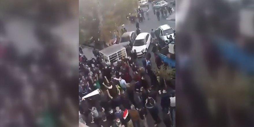 """Tebriz halkından İran'a tepki: """"Ermenistan'a destek cinayettir!"""""""