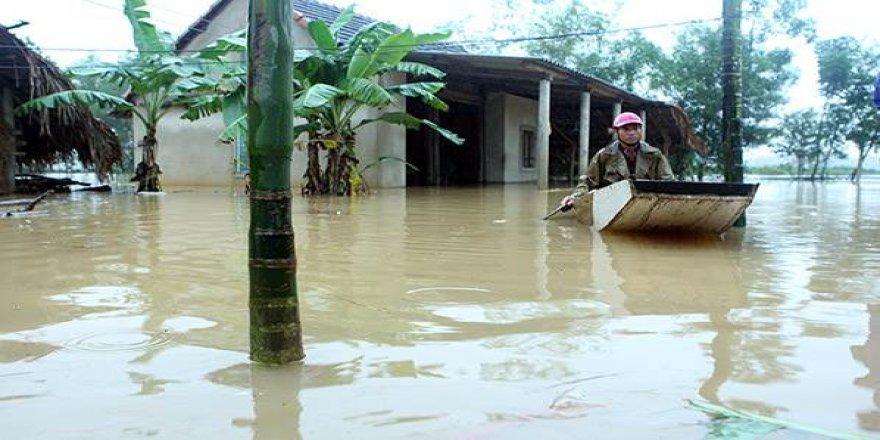 Vietnam'daki sel ve toprak kaymalarında 84 kişi öldü