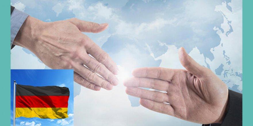 Almanya'da el sıkışmamak vatandaşlık reddi sayıldı