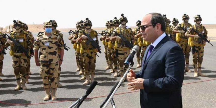 Sisi Mısır'da Kuran ayetlerini eğitim müfredatından çıkarıyor