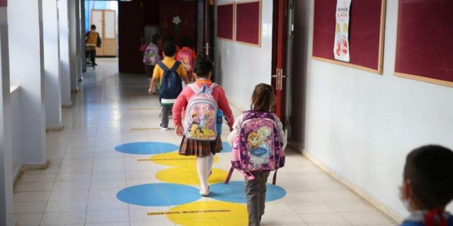 Yüz yüze eğitimde yeni tedbirler: Ana sınıflarında, sınıf yoğunluğu azaltılacak, sosyal mesafe sağlanacak