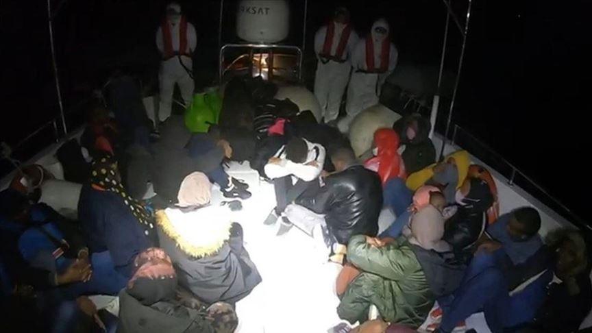 Didim açıklarında 28 göçmen kurtarıldı