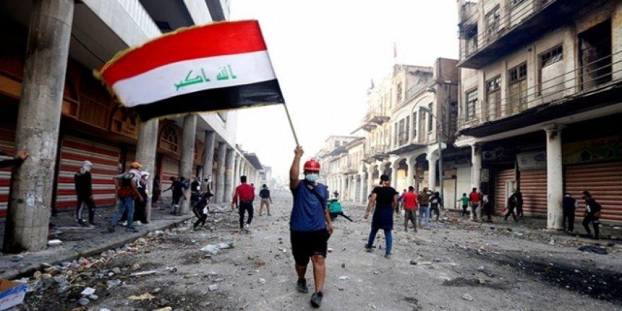Bağdat'ta göstericiler ile güvenlik güçleri arasında çatışma
