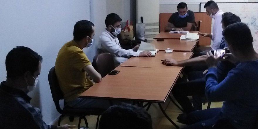 """İzmir'de """"Hudeybiye Anlaşması"""" konuşuldu"""