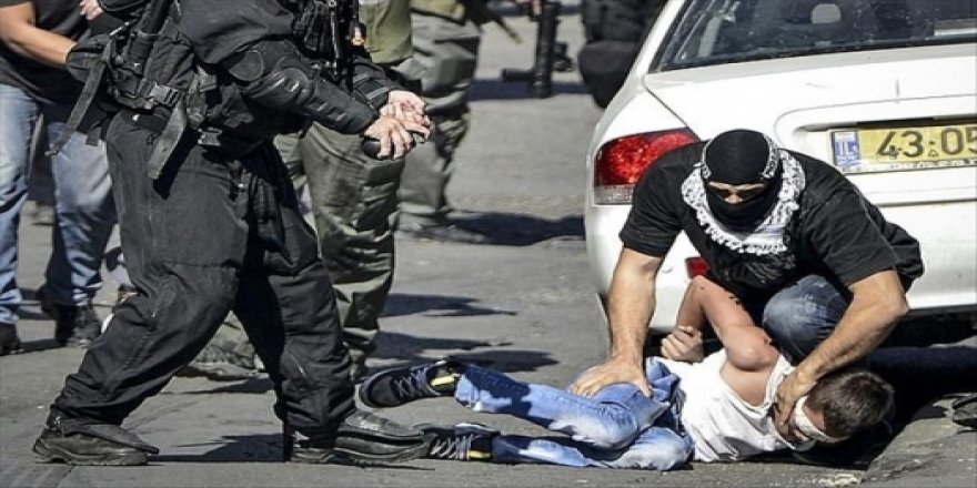 Siyonistler 13 yaşındaki Filistinli çocuğa 3 yıl hapis cezası verdi!