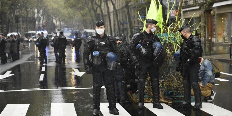 Fransız adaleti: Şüpheli Müslüman olunca 'terör saldırısı', saldırgan 'aşırı sağ' eğilimli olunca 'adli vaka'