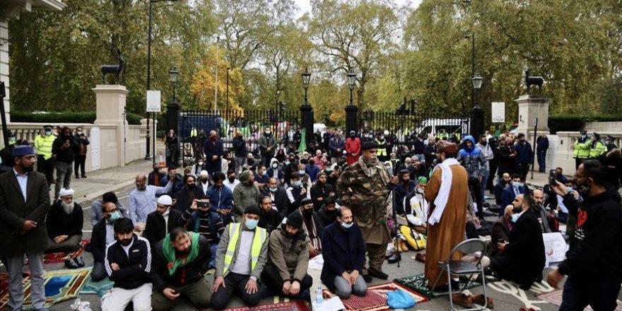 Fransa ve Macron, Londra'da protesto edildi