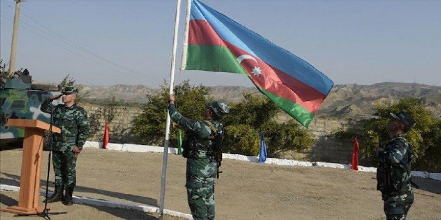 Azerbaycan, Karabağ'ın İran sınırına karakollar kurdu
