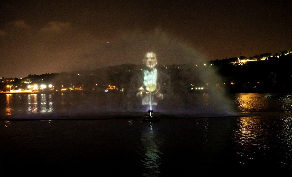 Türkiye'nin ilk Atatürk hologramı hayırlı olsun!?