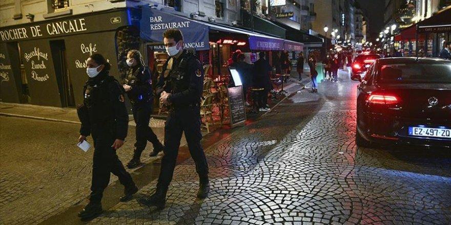 Fransa'da kapatılan Pantin camisinin duvarlarına İslam karşıtı yazı yazan 2 kişiye gözaltı