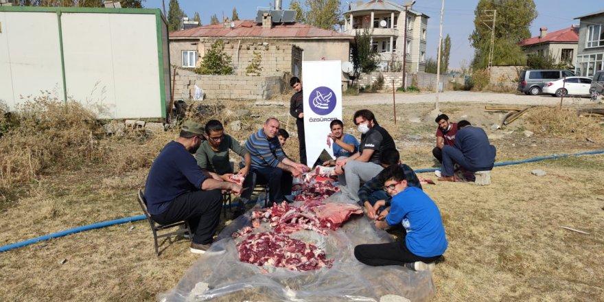 Özgür-Der Gençliği'nden Van'da ihtiyaç sahibi ailelere et yardımı