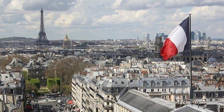 Özgürlükçü(!) Fransa'da, sekülarizmi eleştiren makale yayından kaldırıldı