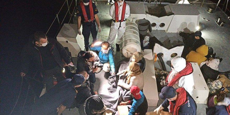 Yunanistan'ın ölüme terk ettiği 18 sığınmacı kurtarıldı
