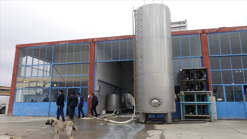 Konya'da hijyen koşullarına uymayan süt fabrikasına Bakanlıktan ceza