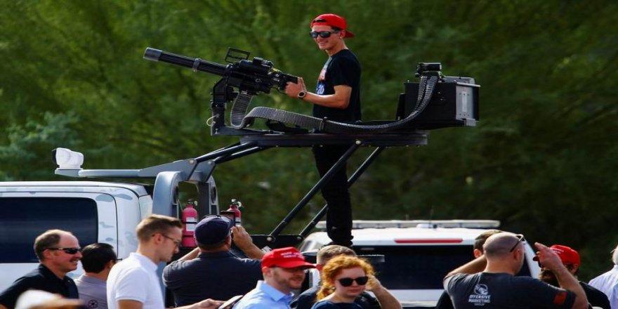 Trump destekçileri ağır silahlarla ABD sokaklarında