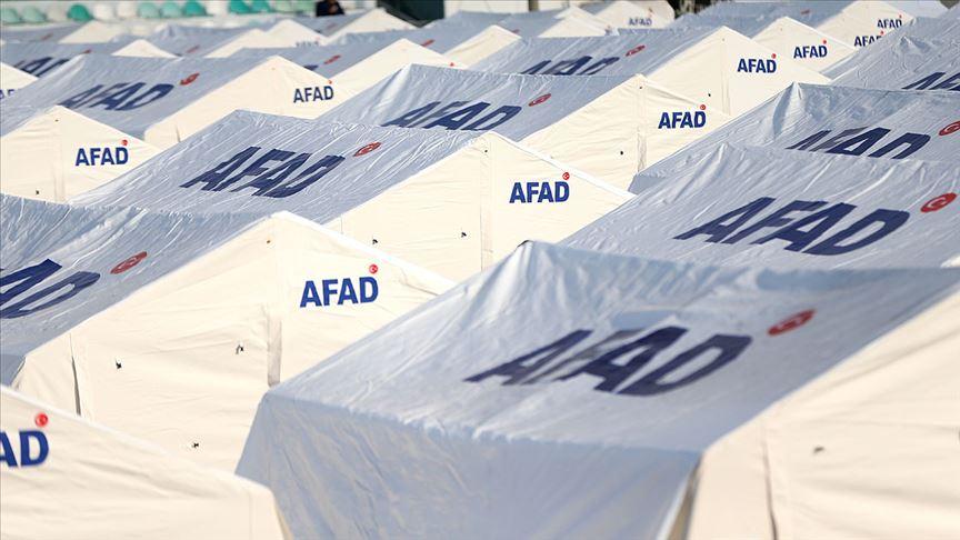 İzmir'de 6 bin civarında kişi çadırlarda kalıyor