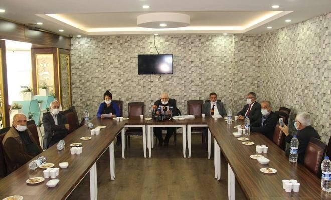 Diyarbakır'da kanaat önderlerinden PKK'ye çağrı: Bölgede işgalcisiniz Kürdistan'dan çıkın