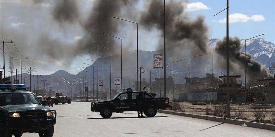 Afganistan'da askeri üsse saldırı: 12 ölü