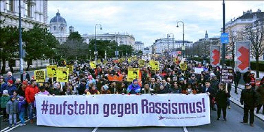 """""""Avusturya'da Müslümanlara yönelik ırkçı saldırılar arttı"""""""