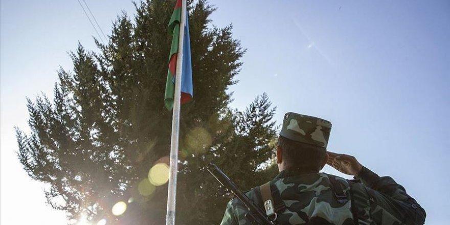 Azerbaycan ordusu Ermenistan'ın boşalttığı Ağdam'a yerleşiyor