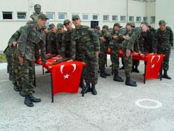 Hükümet Askerlikte 9 Aydan Yana