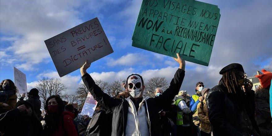 Fransa'da tartışmalı güvenlik yasası karşıtı gösterilerde olaylar çıktı