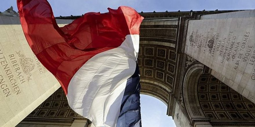 AB'den Fransa'ya 'basın özgürlüğü' uyarısı