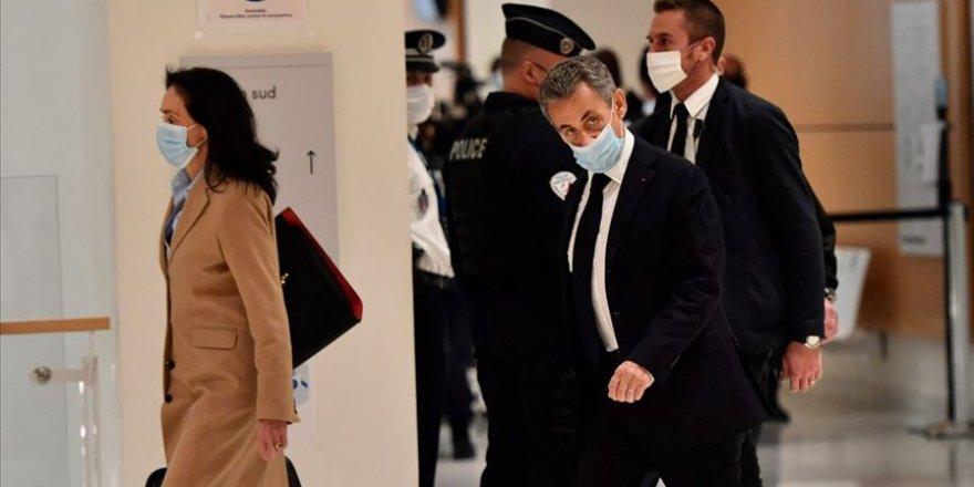 Sarkozy rüşvet ve yolsuzluk suçlamasıyla hakim karşısında