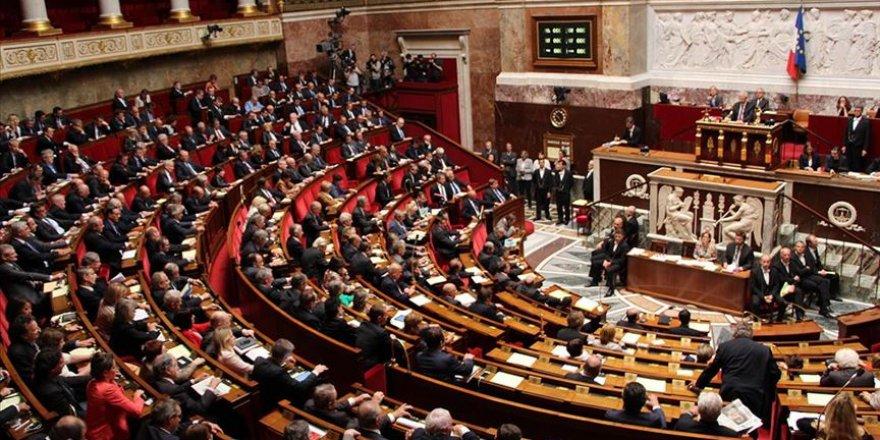 Fransa'da tartışmalı güvenlik yasa tasarısı mecliste kabul edildi