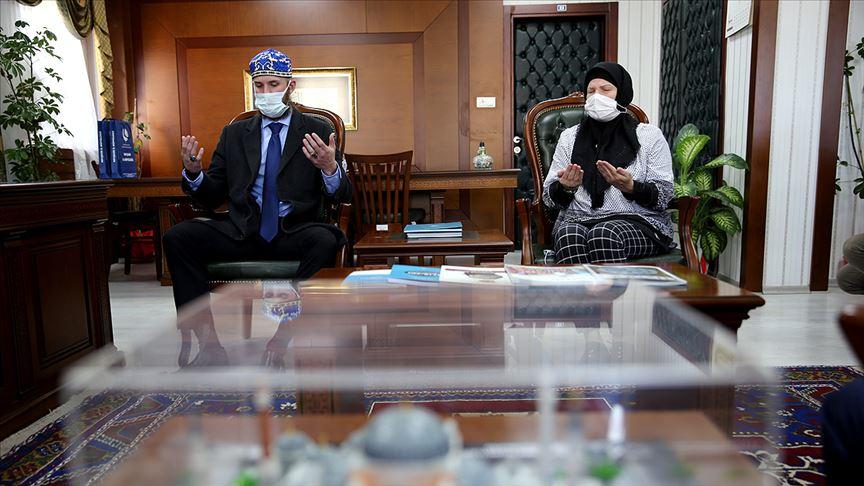 ABD'li anne ve oğlu İslamiyet'i seçti