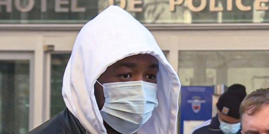 Paris'te Siyahî vatandaşı darp eden üç polis açığa alındı
