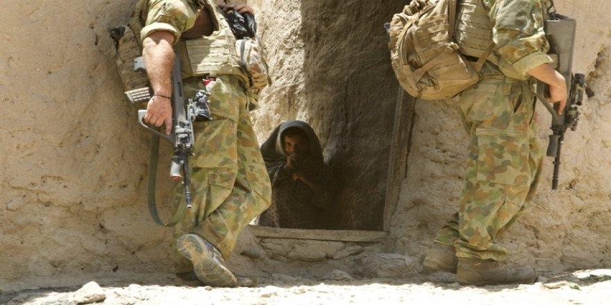 İşgalci Avustralya'nın kendi günahlarıyla yüzleşme cesareti göstermesi kötü bir şey mi?