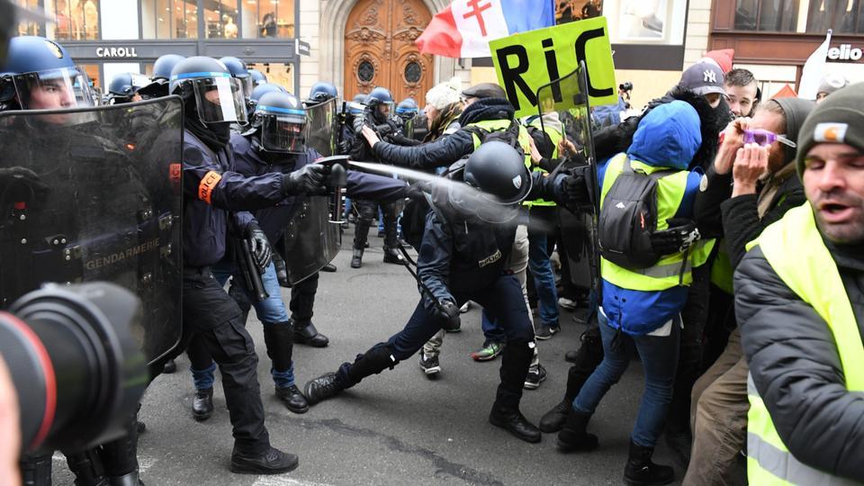 Fransa'da polis şiddeti kötü şöhretli bir geçmişe sahip