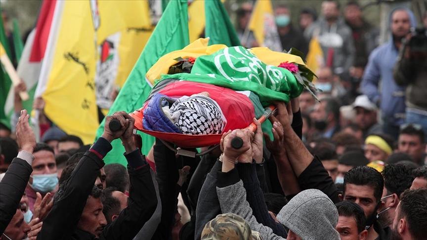 İsrail askerlerinin şehit ettiği 13 yaşındaki Filistinli çocuğun cenazesi toprağa verildi