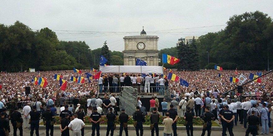 Moldova'da göstericiler Rusya taraftarı hükümeti istifaya çağırdı