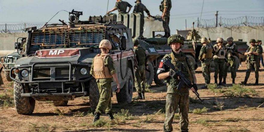 Rusya, PYD/YPG'yi Türkiye ile korkutarak Esed'e alan açmaya çalışıyor