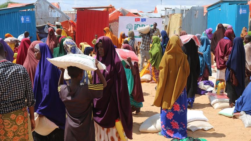 Somalili sel mağdurlarına yardım eli