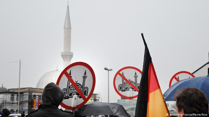 İslam'ı resmen din olarak tanımayan Almanya Aleviliğe resmi inanç statüsü verecek