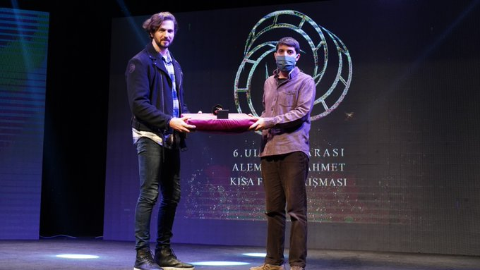 Taha Ovacı'ya en iyi belgesel ödülü
