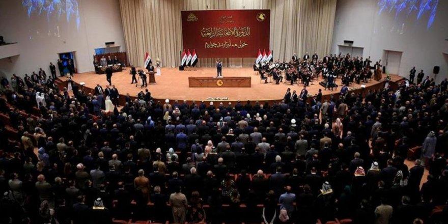 Irak Meclis üyelerinin korumaları sokak ortasında çatıştı