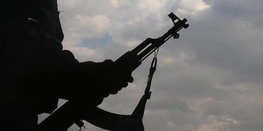YPG/PKK'lılar, Kamışlı'da zorla silah altına alınmaktan kaçan gençlere ateş açtı