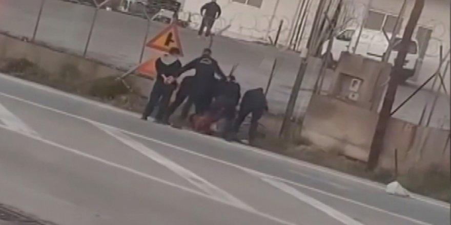 Yunan polisinin sığınmacılara dayağı kamerada