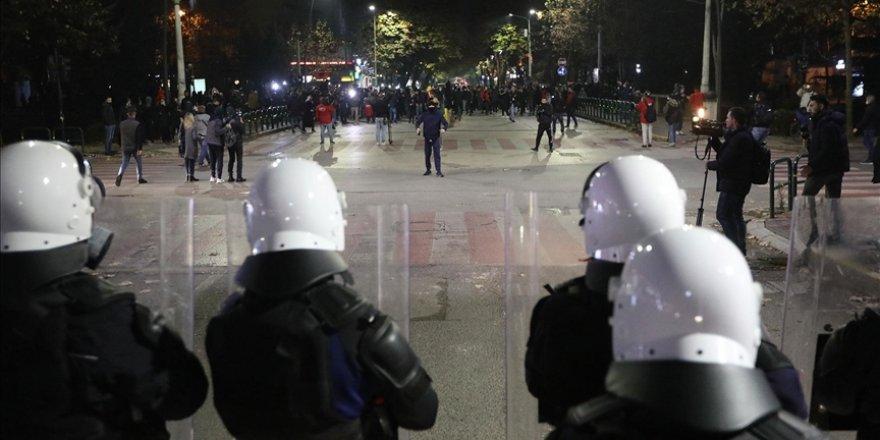 Arnavutluk'taki gergin protestolar 5. gününde devam etti