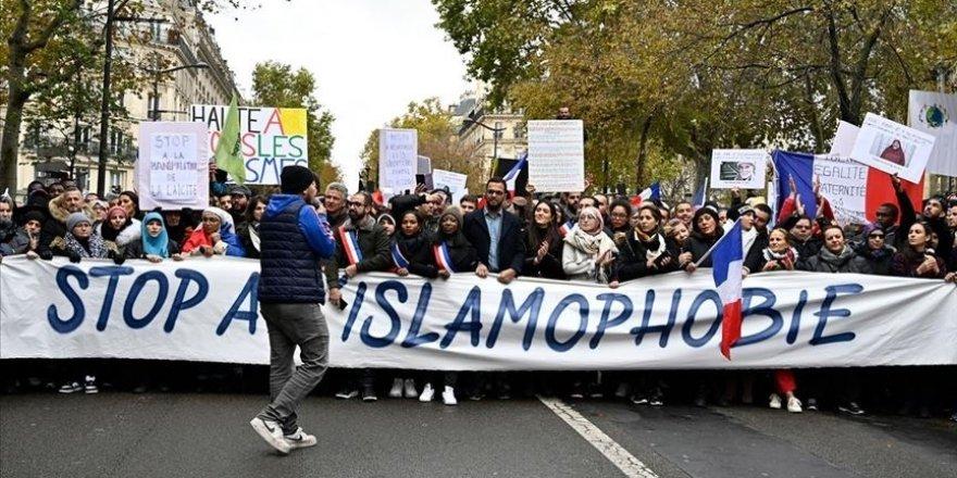 Fransız tarihci Bauberot: Müslümanları hedef alan ayrılıkçı yasa tasarısı temel özgürlüklere aykırı