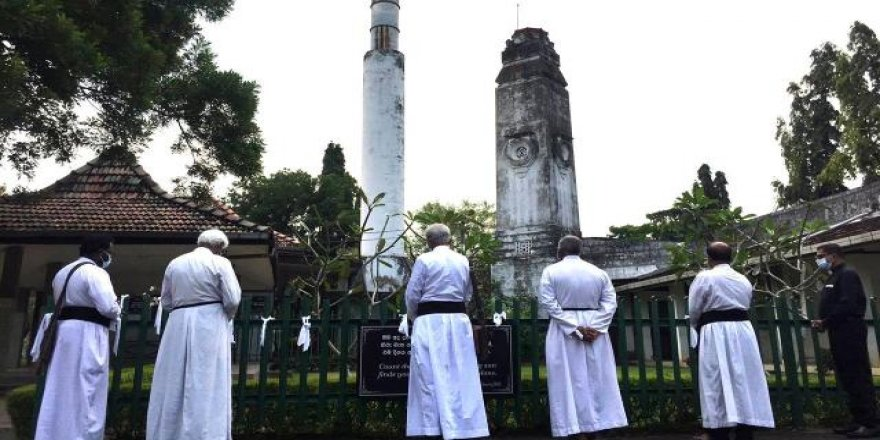 Hristiyan din adamlarından cenazelerinin yakılmasına tepki