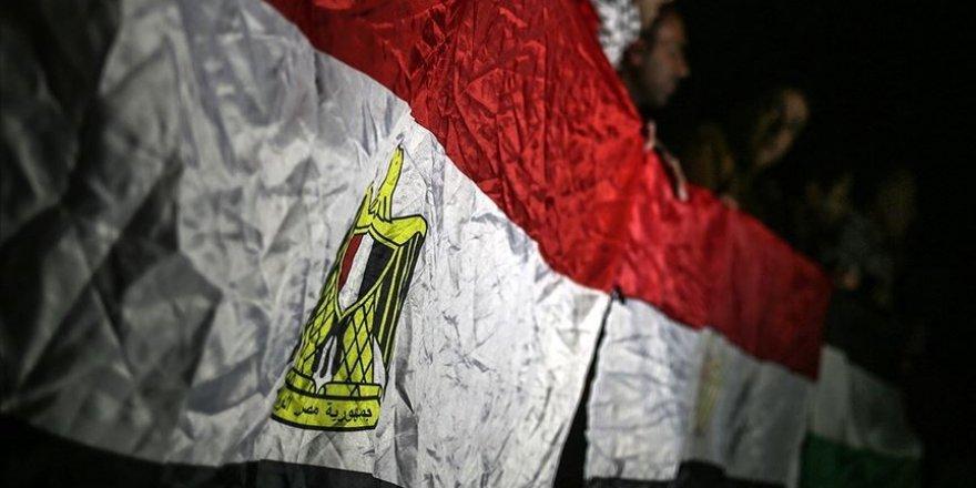 Sisi cuntasının istihbarat şefi darbeci Hafter ile görüştü