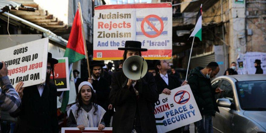 Ortodoks Yahudiler İsrail ve Siyonizm'e karşı yürüdü