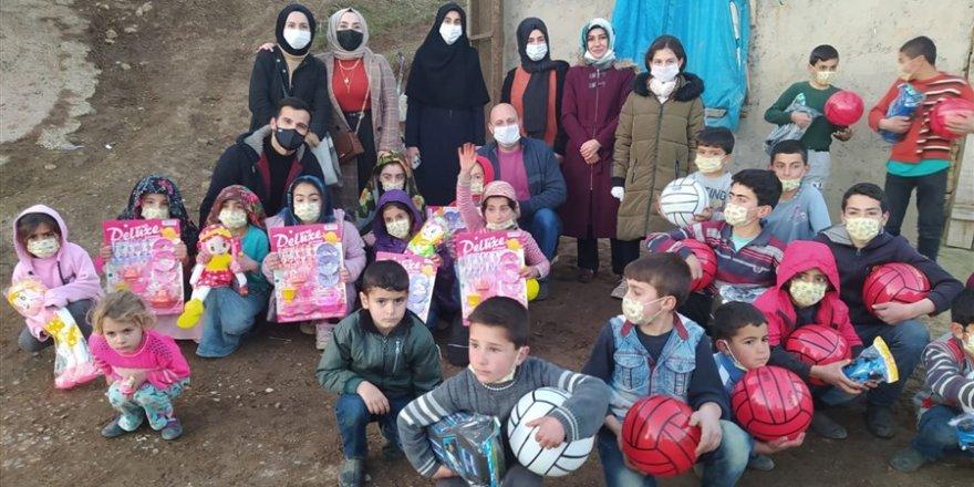 HBT'den köydeki çocuklara oyuncak yardımı