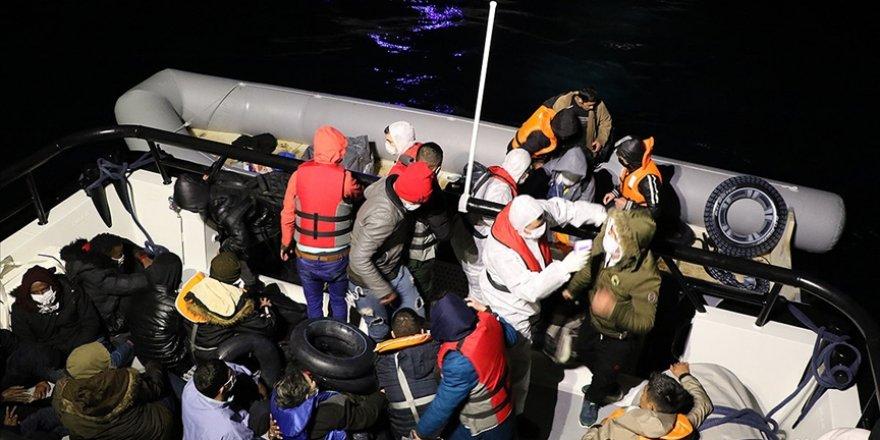Türkiye kara sularına itilen 162 sığınmacı kurtarıldı