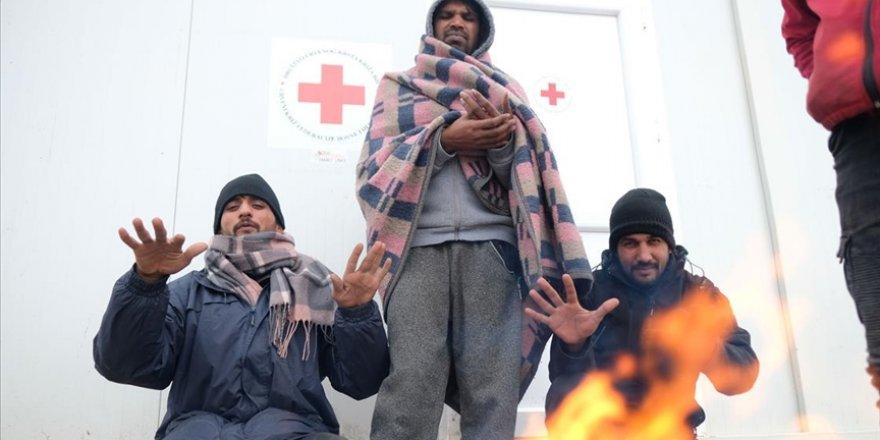 Bosna Hersek'teki göçmenler ağır kış şartlarında yaşam mücadelesi veriyor